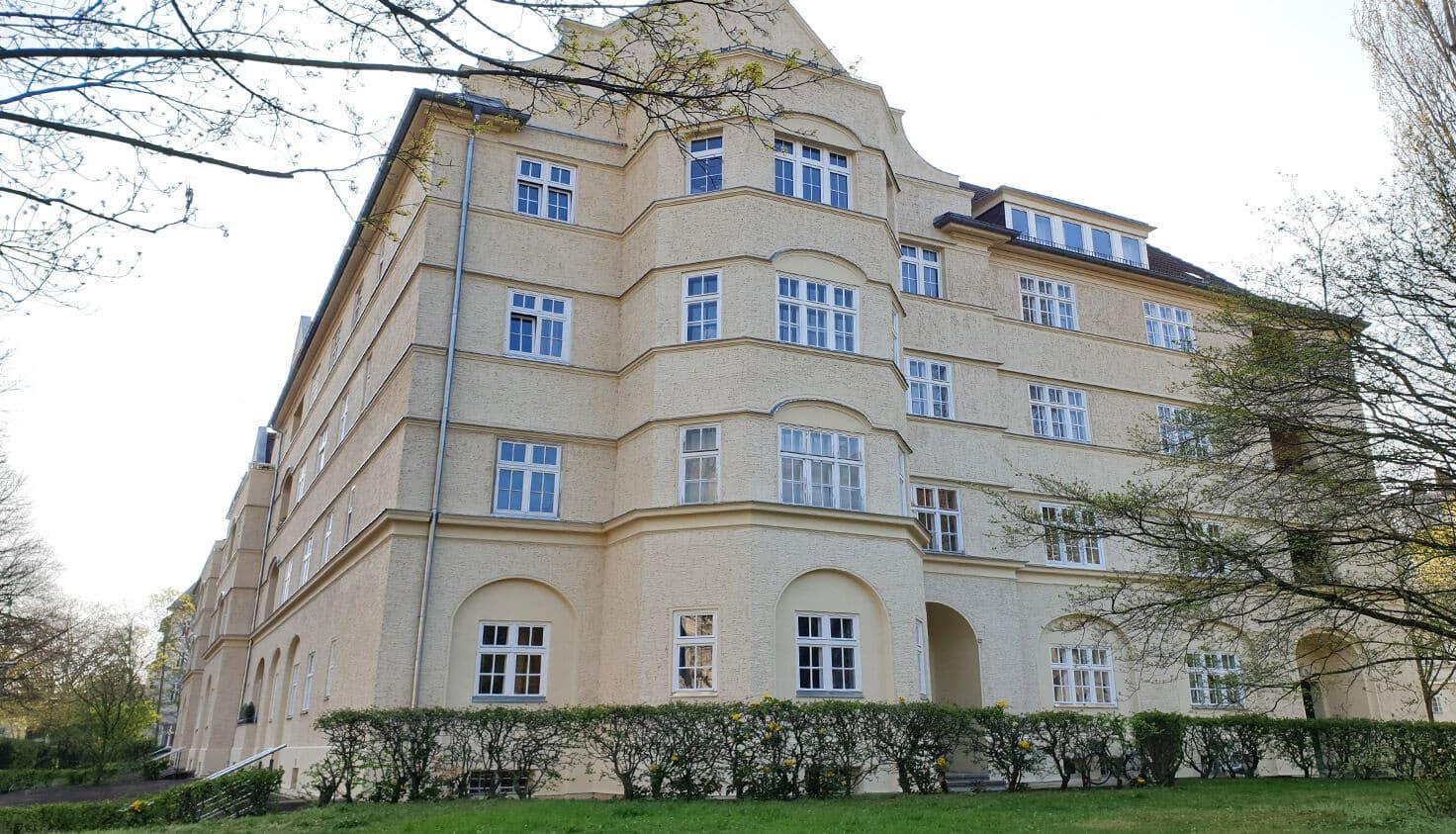 10-Sanierung-von-Altbaufenstern-referenz-malerbetrieb-kluge-berlin.jpg